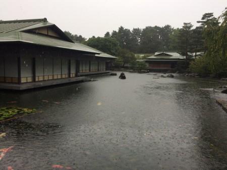 迎賓館の池